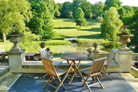 Les revêtements de sol qui feront de votre terrasse un magnifique jardin